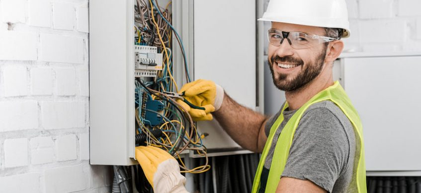 https://www.himalayangorkhaservices.com/wp-content/uploads/2020/06/advantages-of-hiring-a-licensed-electrician-847x389-1.jpg
