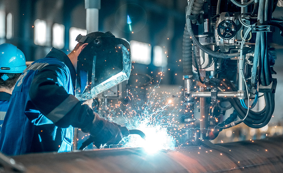 https://www.himalayangorkhaservices.com/wp-content/uploads/2020/06/welderlarge.jpg